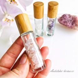 Roll-on s krystaly minerálů