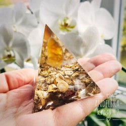 Vnitřní klid Štěstí Ochrana Trpělivost Pyramida